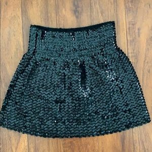Sequin skirt front and back good condtn, stretch